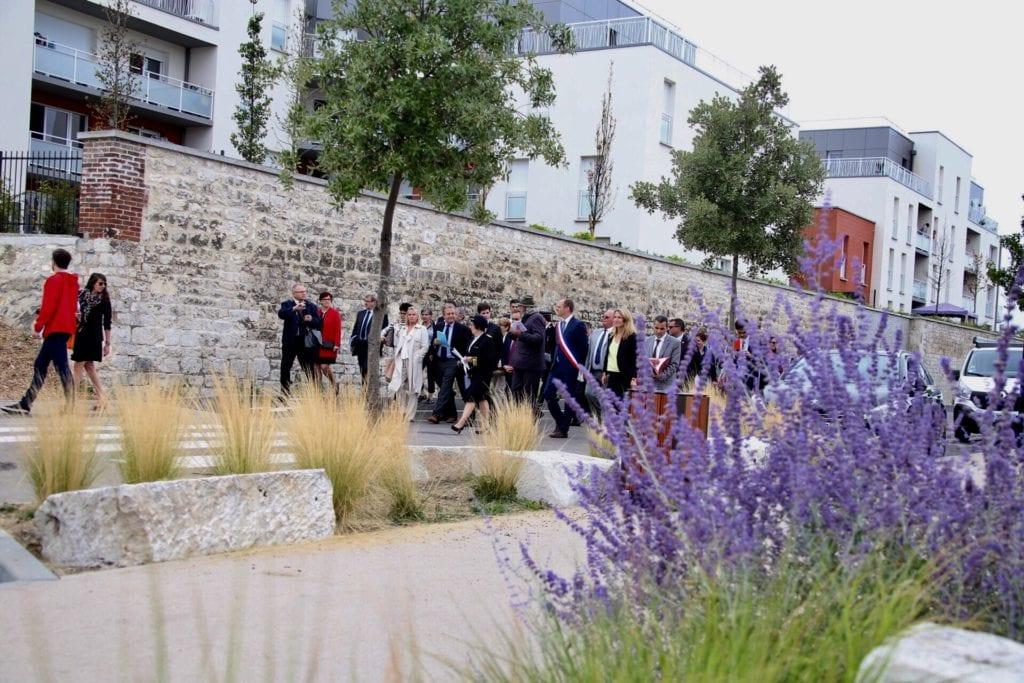 Exemplaire tant en terme de requalification urbaine que pour sa démarche environnementale, le quartier Fieschi a reçu ce 27 juillet la visite de deux ministres, qui ont également pu échanger avec les acteurs du logement dans le département de l'Eure.