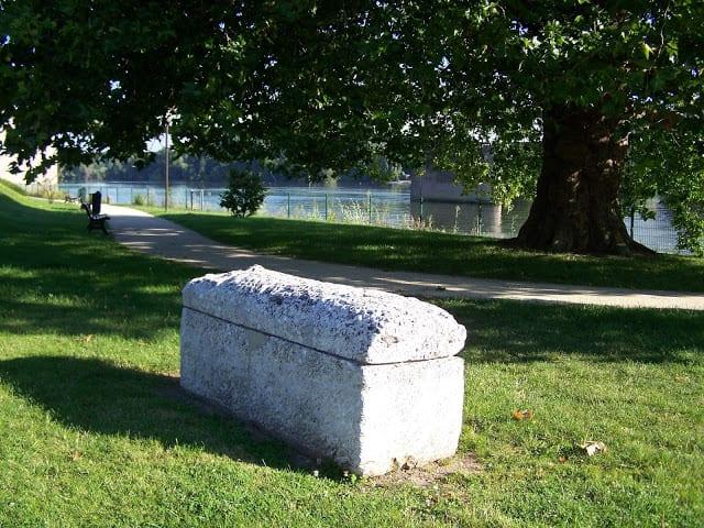 Le mystérieux sarcophage est de retour à Vernon